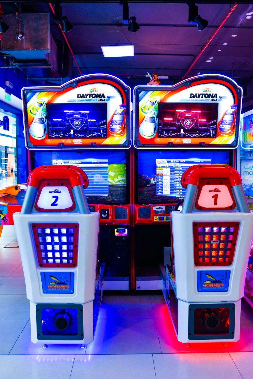 Daytona USA 2 game at Magic Planet Matajer Al Juraina
