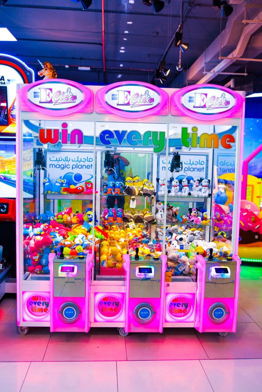 E-Claw Harmony game at Magic Planet Arabian Ranches