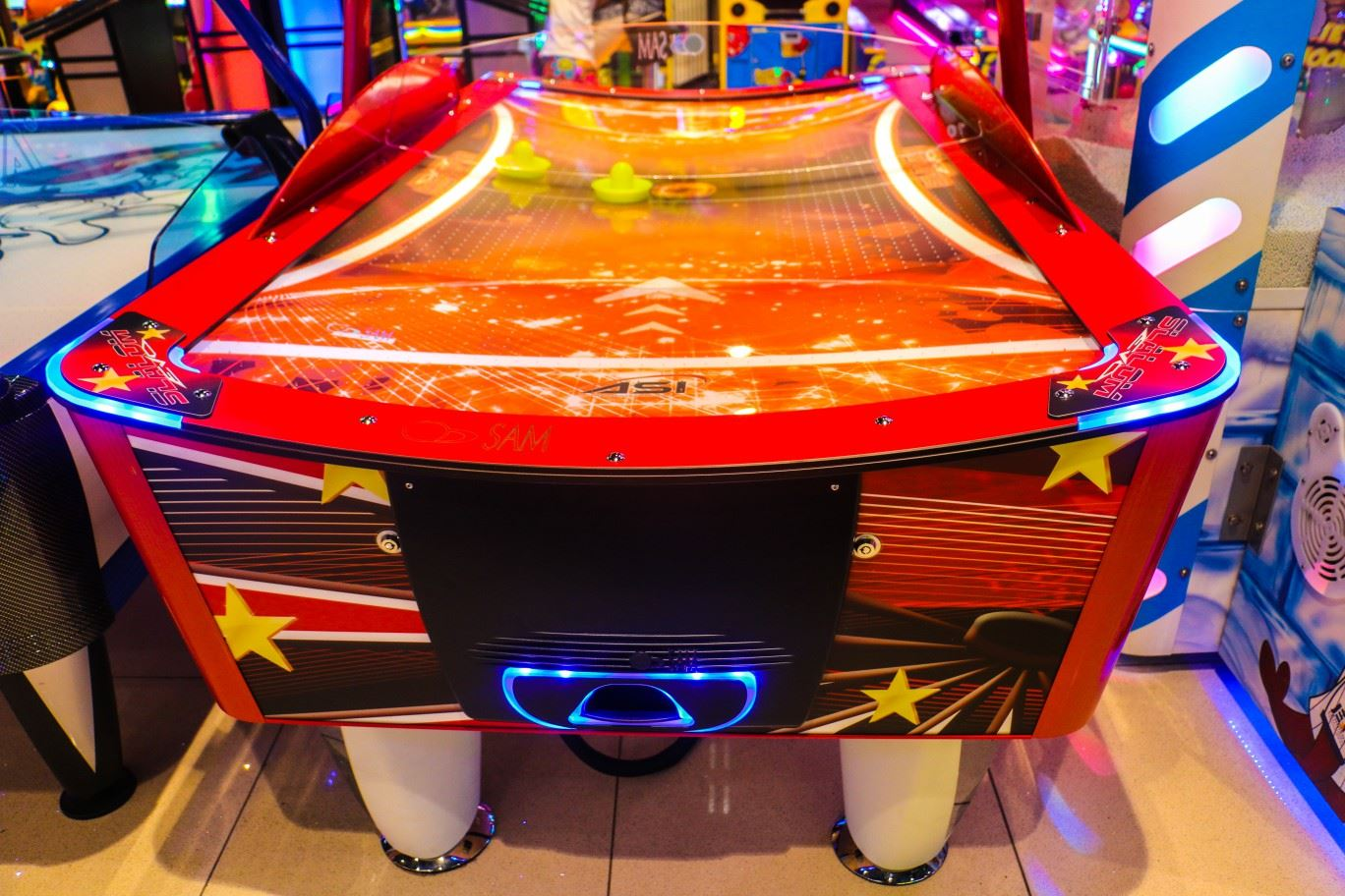 Slalom Air Hockey game at Magic Planet Mall of the Emirates